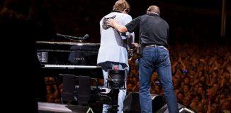 Elton John interrompe show na Nova Zelândia após perder a voz por causa de pneumonia — Foto: Reprodução/Instagram