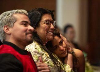Cena da novela 'Amor de mãe', com Regina Casé, Thiago Martins e Nanda Costa — Foto: Isabella Pinheiro/Gshow