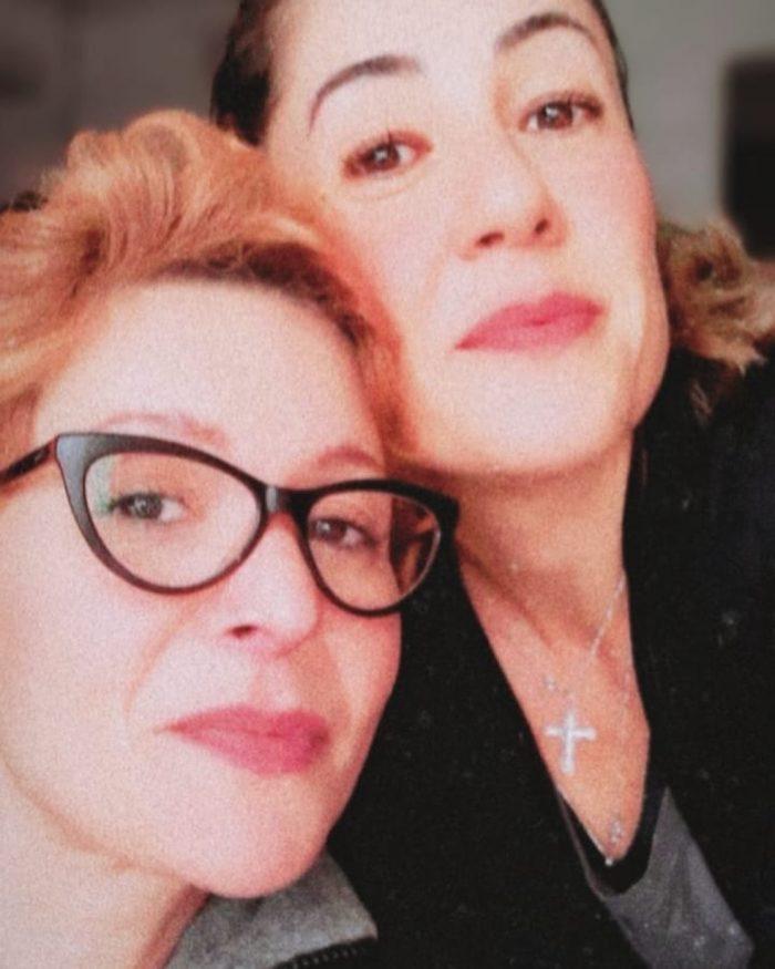 Patricia Marx assume homossexualidade e apresenta namorada, Renata: 'Lésbica com muito orgulho' — Foto: Reprodução/Instagram
