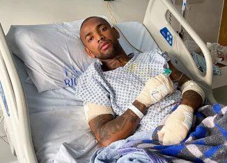 Nego do Borel posta foto em hospital após acidente de moto: 'Recebi uma segunda chance de vida' — Foto: Reprodução/Instagram