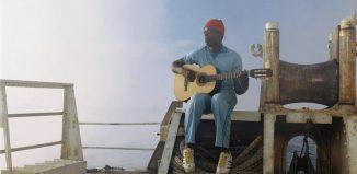 """Seu Jorge em cena de """"A Vida Marinha com Steve Zissou"""" — Foto: Reprodução"""