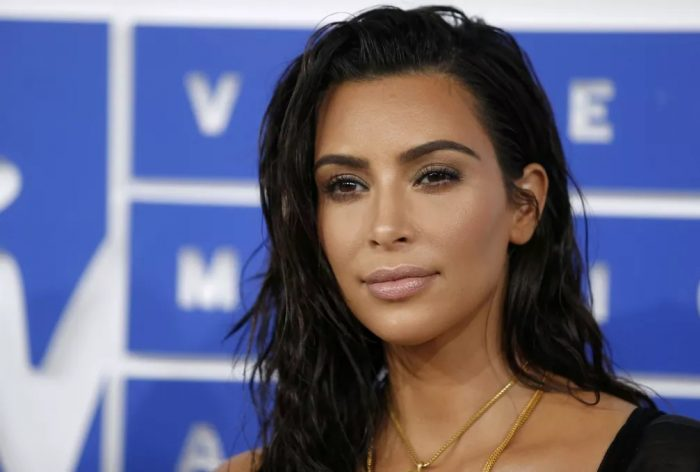 Kim Kardashian posa para foto no MTV Video Music Awards 2016, em Nova York — Foto: REUTERS/Eduardo Munoz/File photo