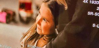"""Maria Flor, filha de Deborah Secco, grava cena de """"Salve-se quem puder"""" — Foto: Reprodução/Instagram"""
